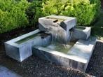 fuentes-de-jardin-estilo-moderno-geometrico