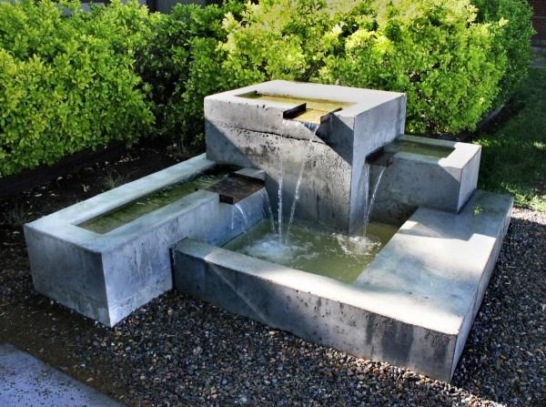 De 100 fotos de modelos de fuentes de jard n for Jardin geometrico