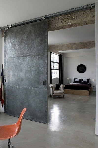 Como decorar una casa con estilo industrial for Puerta industrial