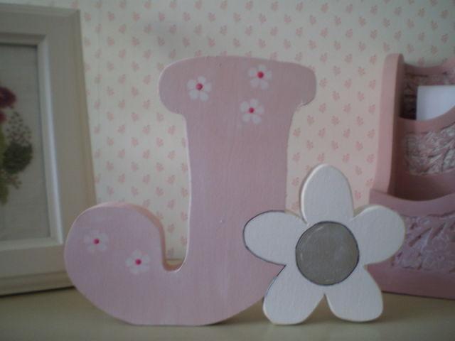 10-ideas-faciles-decoracion-habitaciones-infantiles-letras-de-madera