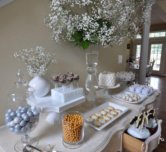 Center-table-communion-flowers