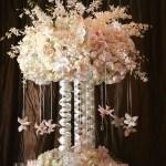 centro-mesa-elegante-rosas-blancas