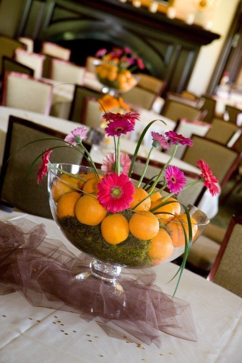 Center-table-flowers-oranges