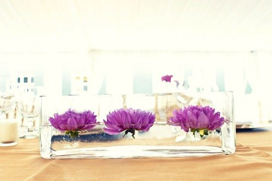 Center-table-modern-three-flowers