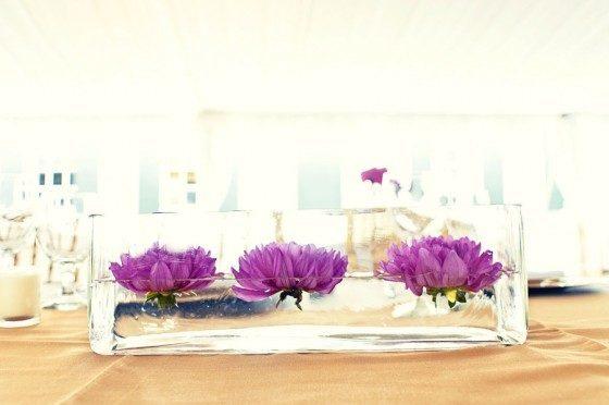 Center-table-modern-three-flowers