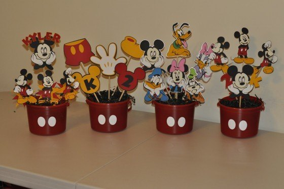 Mickey-mouse-desk-centers