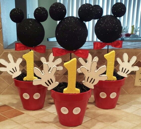 Decoracion de cumplea os de mickey mouse sencillo for Mesa de cumpleanos de mickey