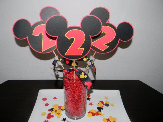 centros-de-mesa-mickey-mouse-modelo-sencillo-con-cartulinas