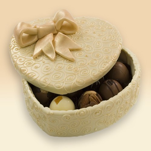 White-chocolate-centerpiece