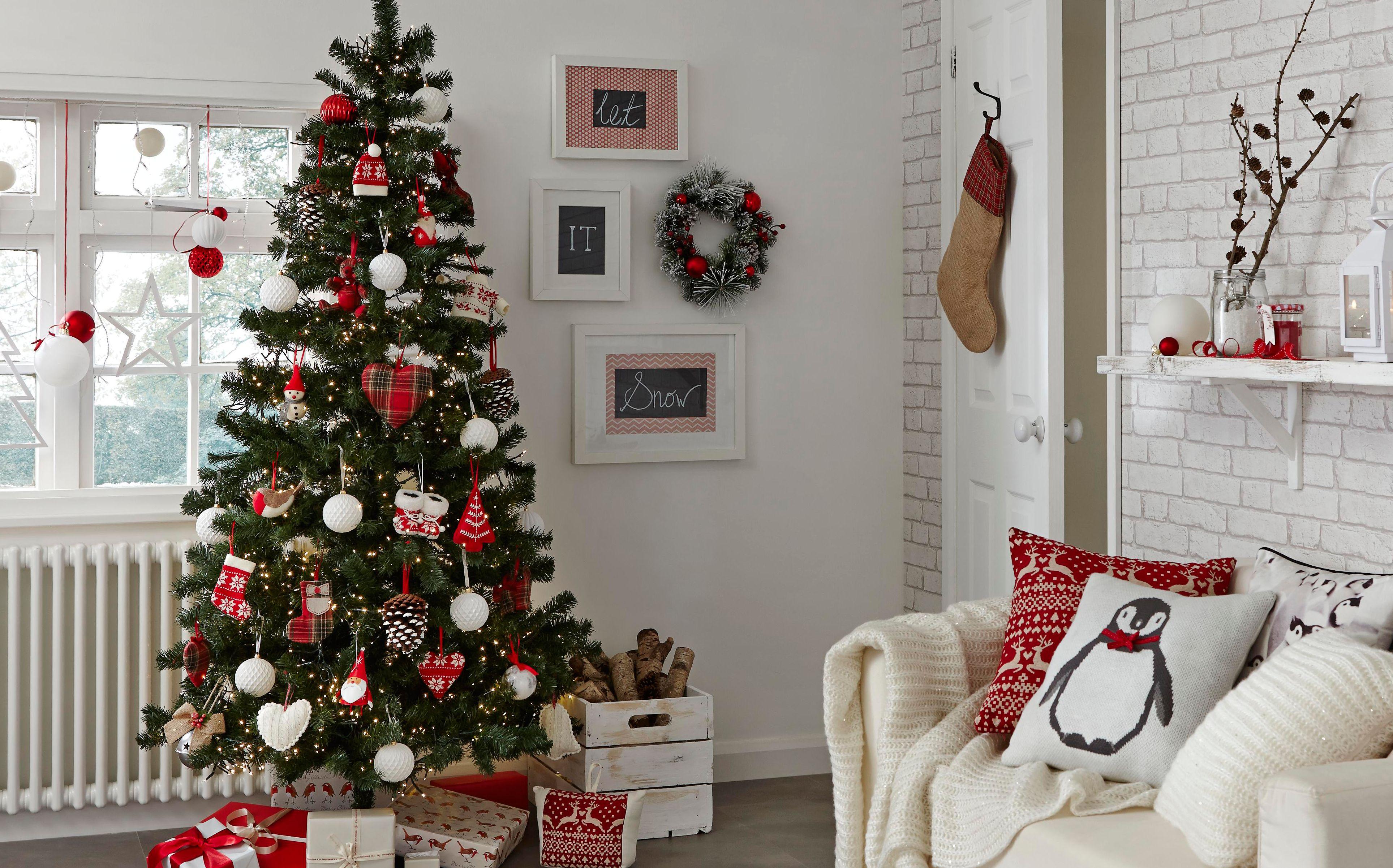 arboles-de-navidad-de-leroy-merlin-2015-blanco-y-rojo