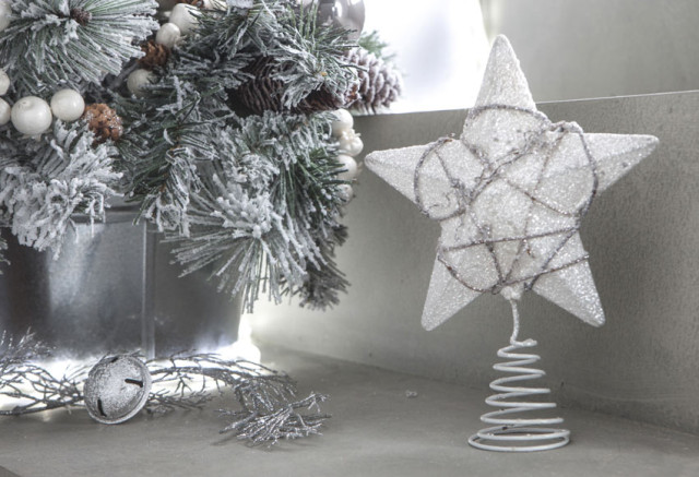 Christmas-stars-2015-estrella-blanca-para-coronar-el-arbol-de-leroy-merlin