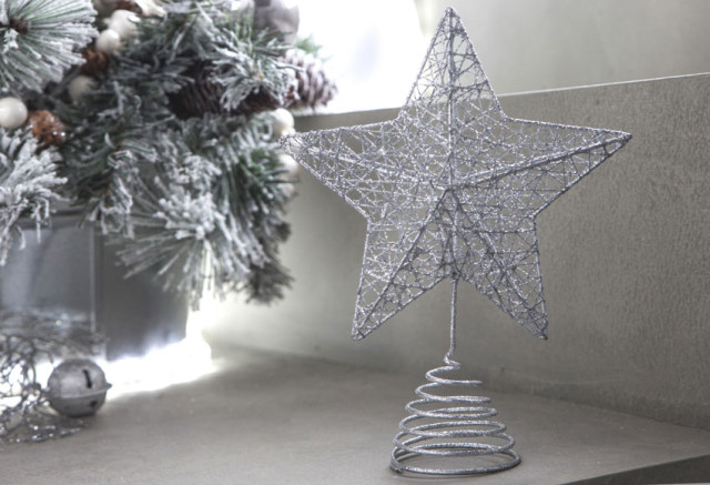 Christmas-stars-2015-estrella-plateada-para-coronar-el-arbol-de-leroy-merlin