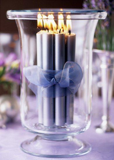 velas-romanticas-para-san-valentin-velas-azules-lazo-jarron-cristal