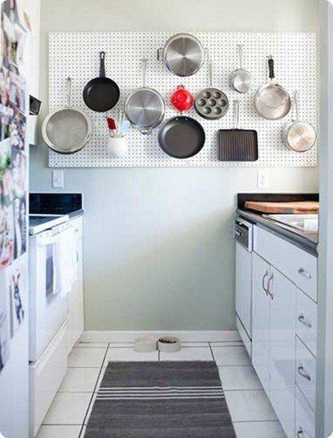 Pared cocina pequeña con almacenamiento