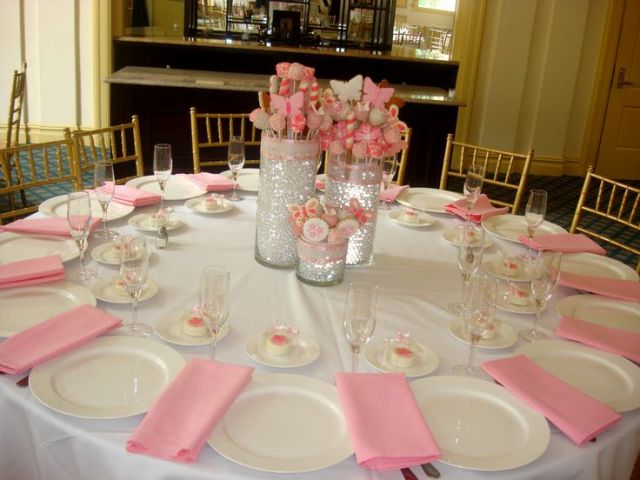Table-to-christening centers-con-mariposas-y-flores