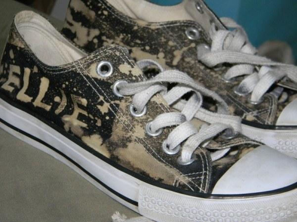 Cómo eliminar las manchas de lejía en la ropa y calzado ...