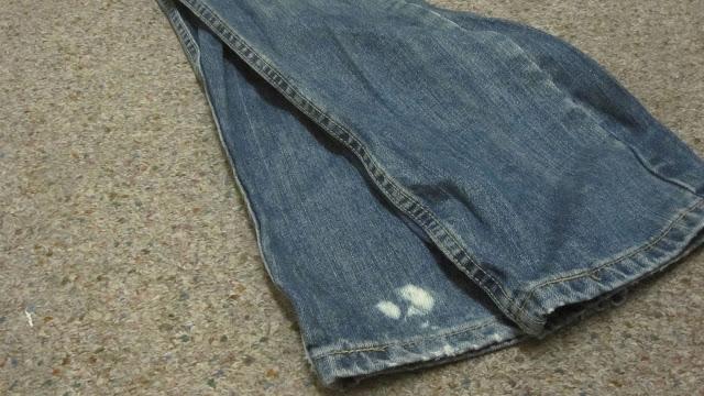 como-eliminar-las-manchas-de-lejia-en-la-ropa