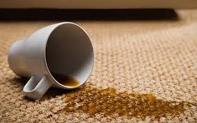 como-quitar-las-manchas-de-la-ropa-y-alfombras-de-manera-natural