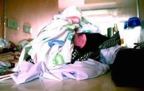 Cómo quitar las manchas de la ropa y alfombras de forma natural