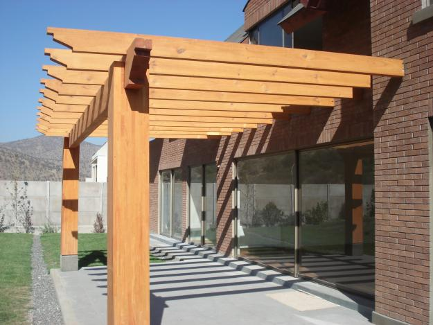 De 50 ideas de techos de madera para terrazas for Tipos de techos para porches