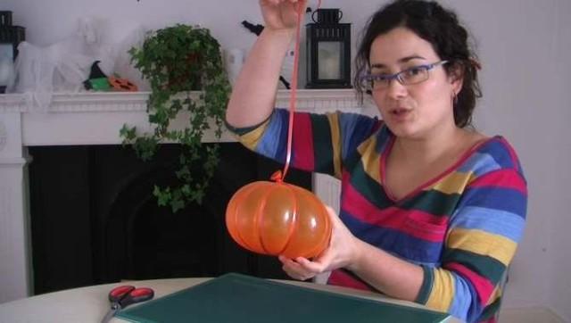 Hacer calabaza de Halloween 2015 con globos