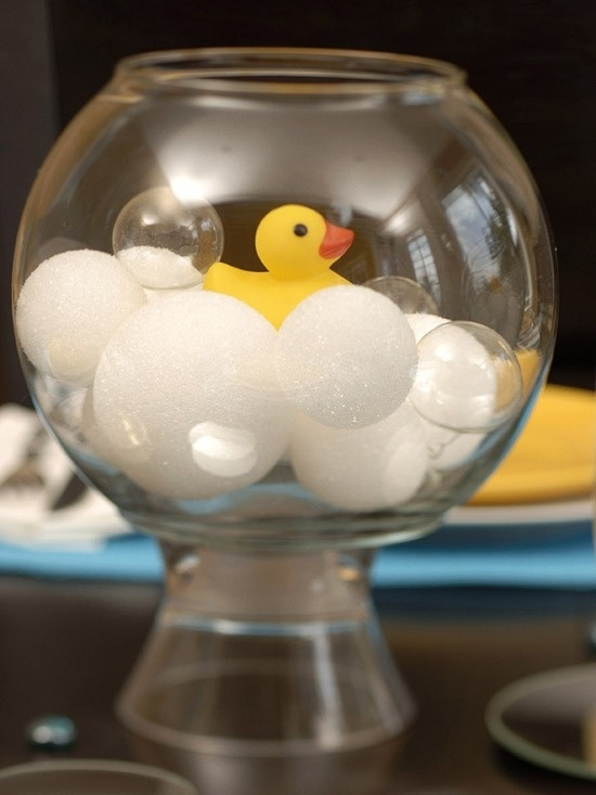 Table-top-baby-shower-with-balls-duck