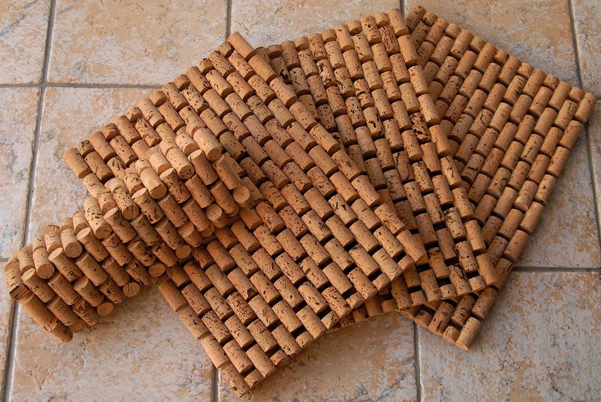 corchos-convertidos-en-alfombra