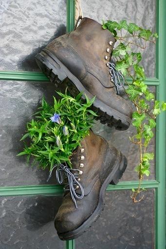zapatos-convertidos-en-macetas