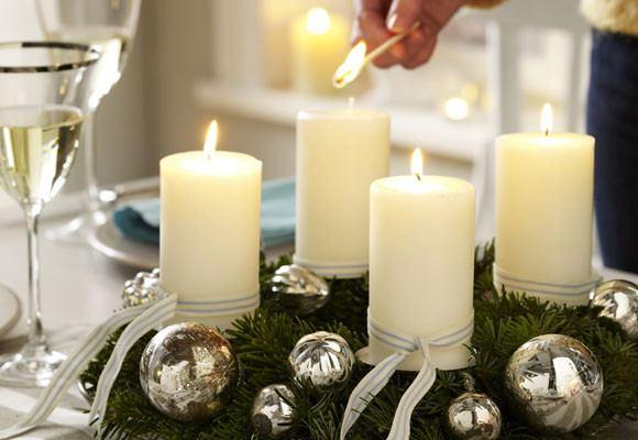 decoracion-de-navidad-en-blanco-velas-navidad