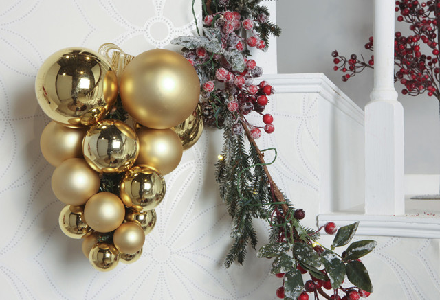 Decoration-trees-of-christmas-2015-balls-gold-various-size