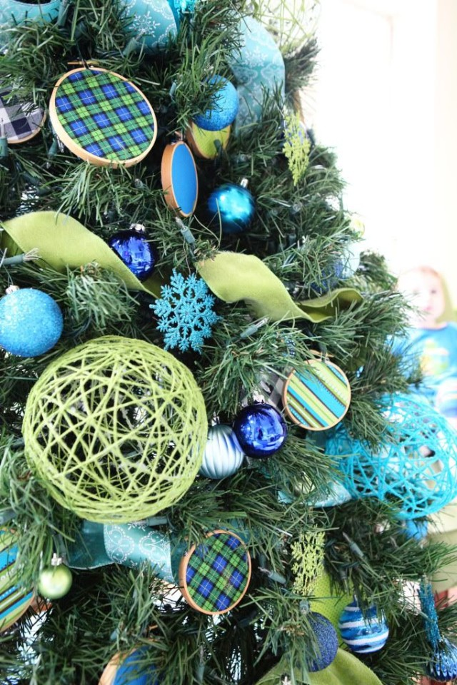 Decor-trees-of-christmas-2015-colors-shades-blue