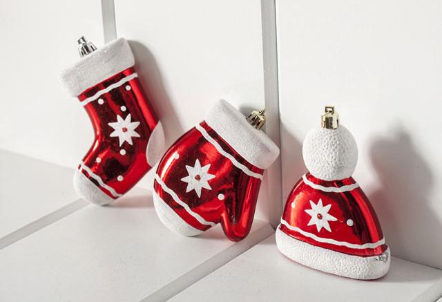 decoracion-arboles-de-navidad-2015-surtido-colgantes-guantes-calcetin-gorro