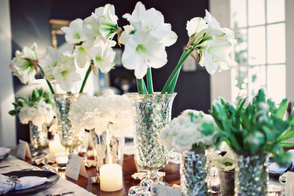 Flowers-and-table-for-christmas-2015-centro-con-flores-blancas-simples