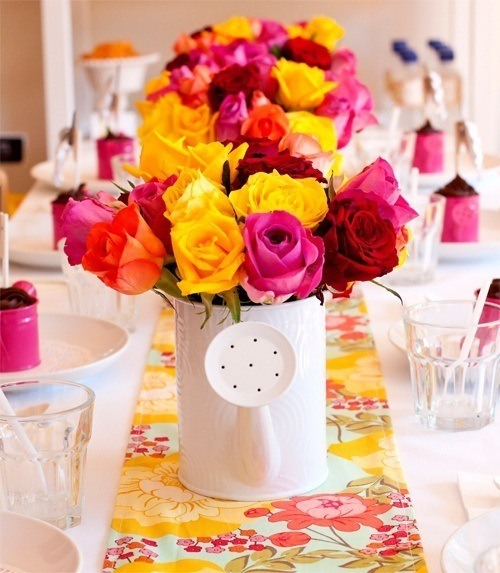 Table-of-birthday-flowers-and-shower