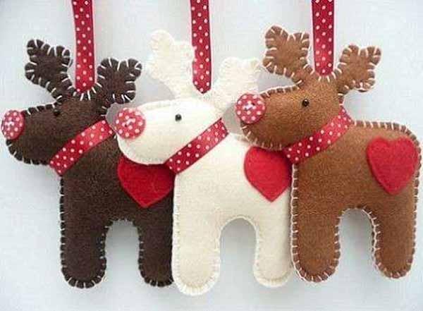 manualidades-de-navidad-en-fieltro-renos-colores