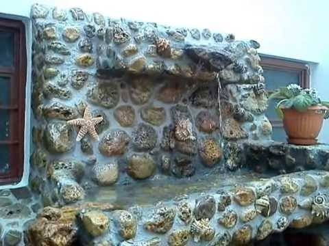 Fountains-of-garden-blocks-of-stone-different