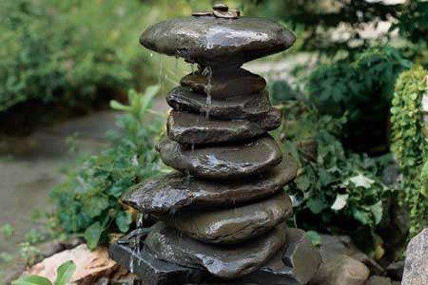 Fountains-de-jardin-de-estilo-zen-con-piedras