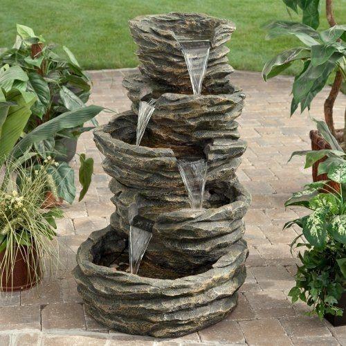 Fuentes-de-jardin-para-jardines-modernos-fuente-pequeña