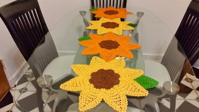 camino-de-mesa-como-hacer-bordado-flores