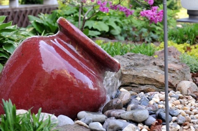 fountain-jar-ceramic-red