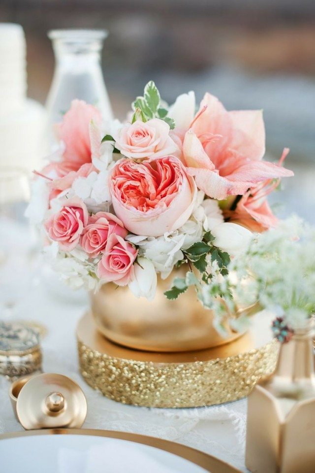 Center-table-summer-flowers