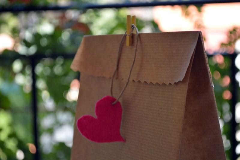 Diy c mo hacer bolsas de papel kraft - Hacer bolsas de papel en casa ...