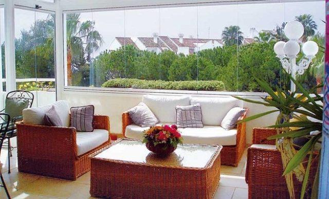 decoracion-de-terrazas-acristalada