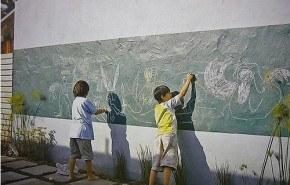 Pintura pizarra también en el jardín o el patio