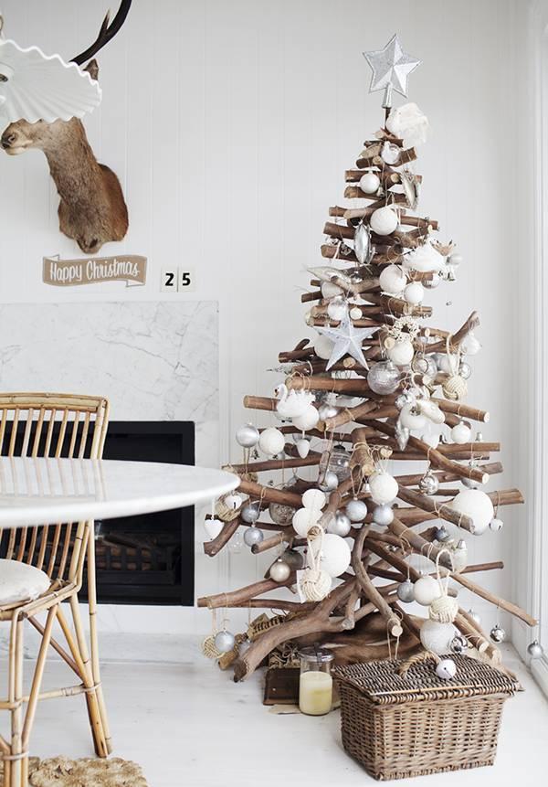 arbol-de-navidad-reciclado-con-troncos