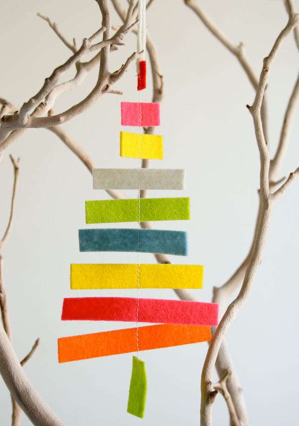 Tree-of-christmas-recycled-with-cloth-pieces