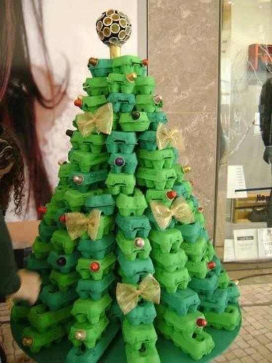Tree-of-christmas-recycled-made-with-egg