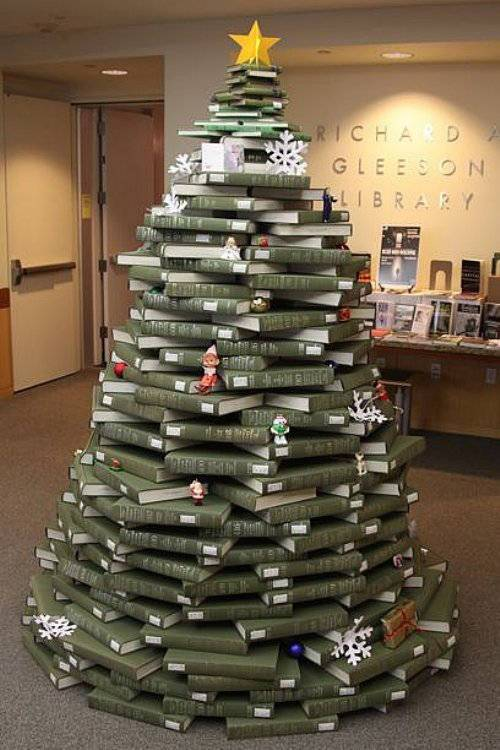Tree-of-christmas-recycled-made-with-books