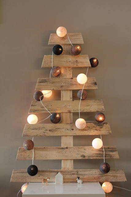 Tree-of-christmas-recycled-made-with-pallets