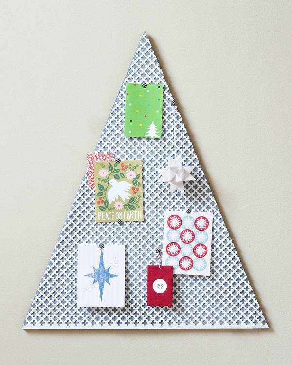 Tree-of-christmas-recycled-made-with-paper-and-wood